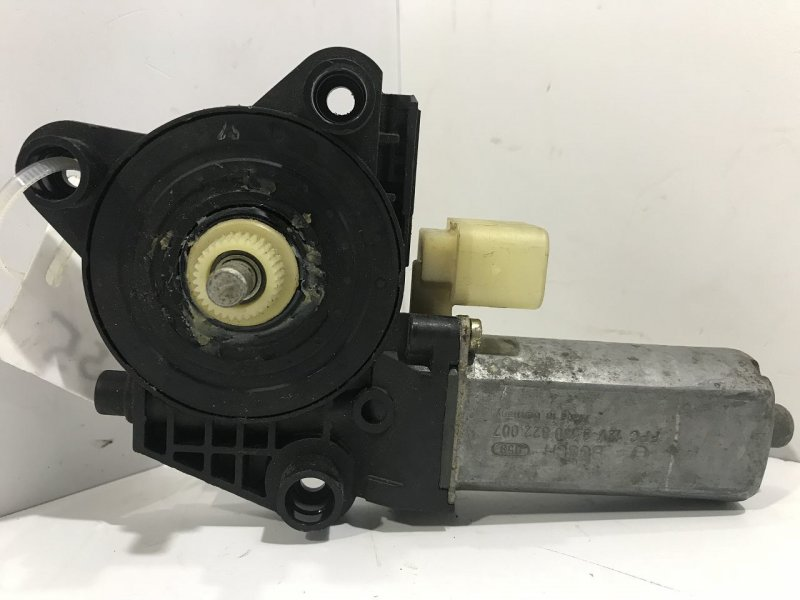 Моторчик стеклоподъемника   2118201742