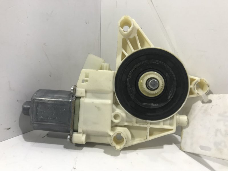 Моторчик стеклоподъемника   2048200542