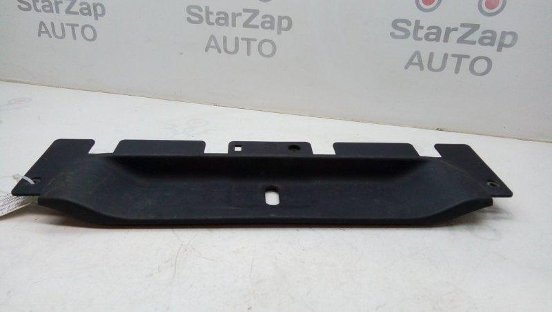 Накладка внутренняя на заднюю панель кузова   a4476905900