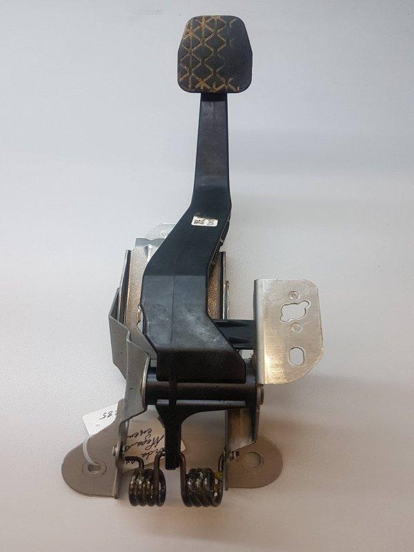 Педаль сцепления   KE4041300