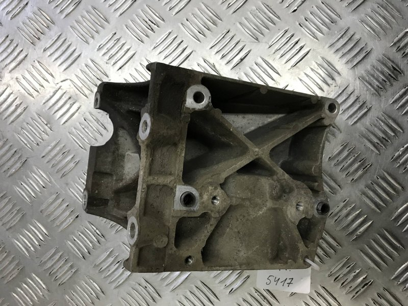 Кронштейн компрессора кондиционера   4m5019d624cd
