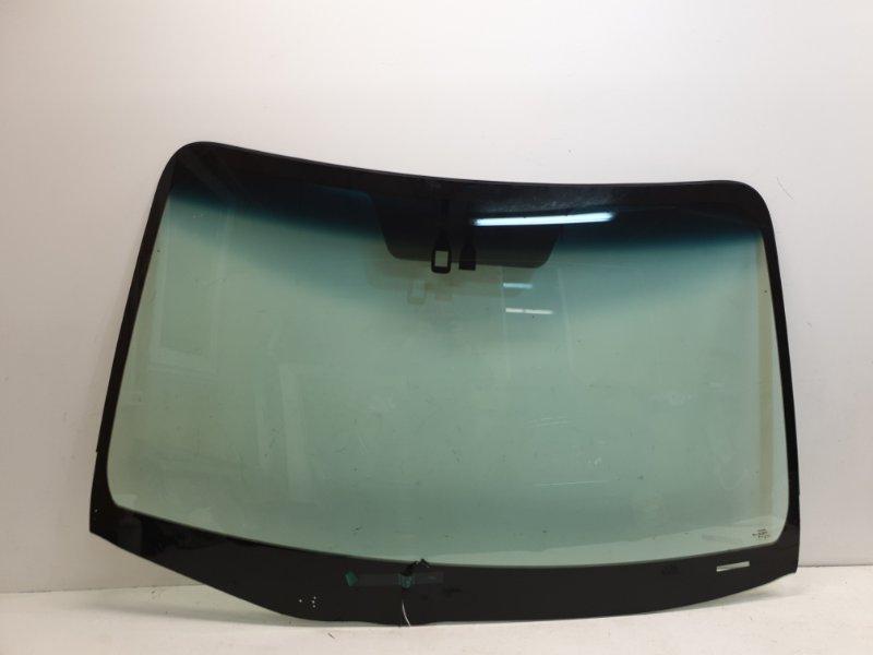 Лобовое стекло Toyota  5610108081