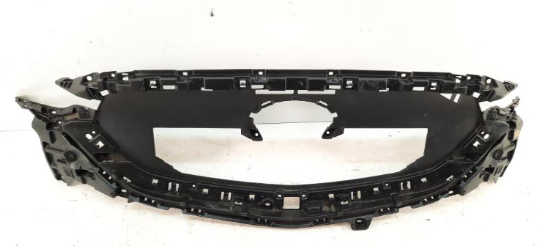 Молдинг (рамка) решетки радиатора   KB8B5072