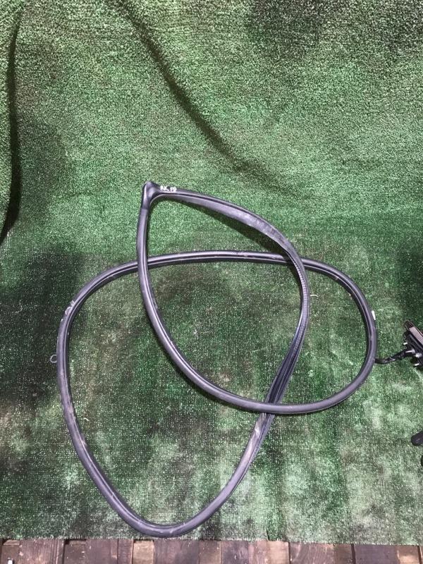 Уплотнитель проема Honda Crv 2006 [72315SWAA01ZA] RE4 K24A, передний правый