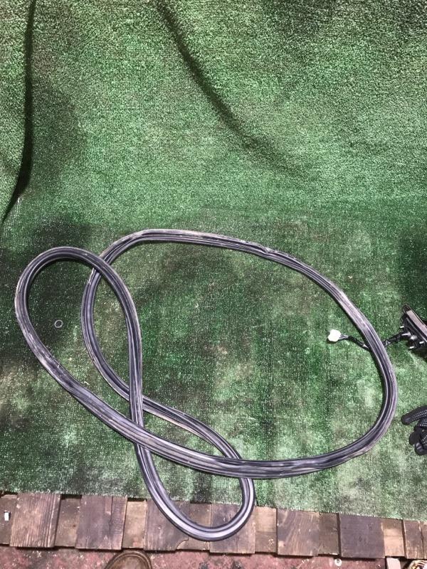 Уплотнитель проема Honda Crv 2006 [74440SWA003] RE4 K24A